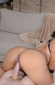 Sophia Huge latina ass at work