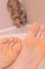 Alessandra Jane Toe Time in the Tub