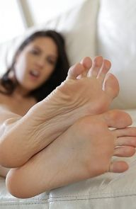 Carolina Abril Passion between the Soles