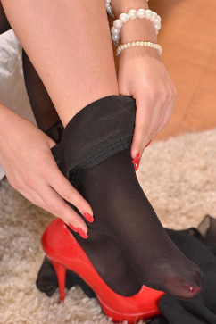 Anastasia Sweet Sensual glimpse from a foot fetish for tootsie lovers