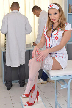 Sofi Goldfinger  Horny nurse blows doctors and patient!