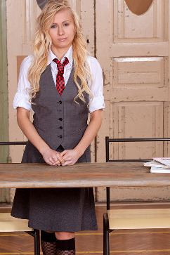 Vanessa Staylon School girl gets really naughty at class! Dick-stracted