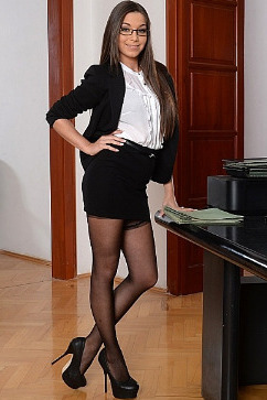 Diana Dolce Sexy secretary Orgasmic Overtime