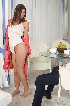 Julia Roca Irresistible Desire - in the mood for sex!