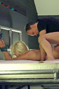 Arteya Tantalizing A Young Blonde Pussy