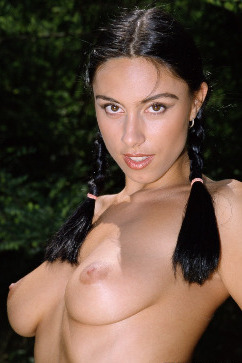 Sylvia Laurent A Tropical Threeway With Three Brunettes Gets Hardcore