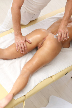 Katarina Muti Invitation To Touch - ass cum massage!
