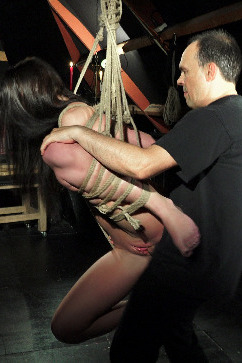 Kittina Ivory Hang In There - The fate of a slave!