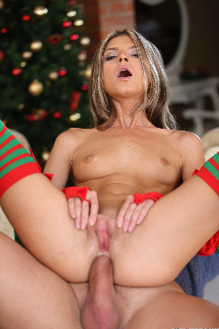 Gina Gerson Naughty elf babe gets Double penetration for Christmas