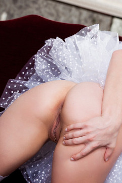 Veronica Weston The sexiest maid wants to serve you pleasure