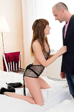 Emily Thorne  Lola Shine Loves It deep In the Ass