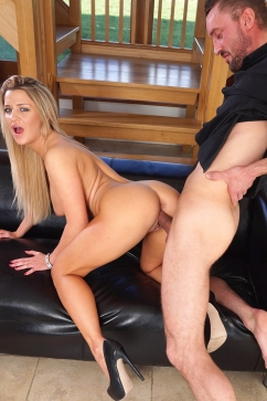 Sienna Day Dirty Talking Sienna Likes To Have Her Throat Fucked