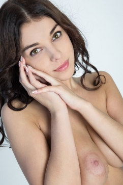 Evita Lima Glamorous young doll feeds your fantasy