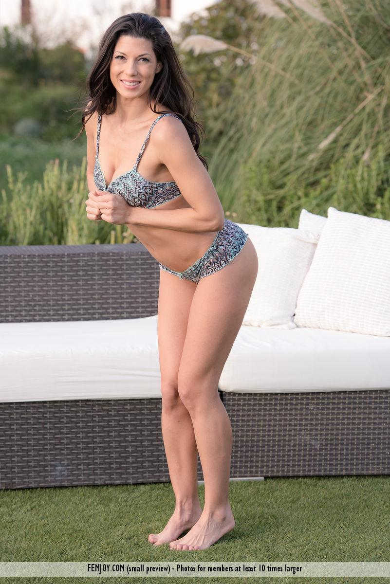 Charming nude play with sensual Alexa Tomas - Classmodels
