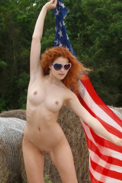 Heidi Romanova America hottest redhead girl supporting nude expressing