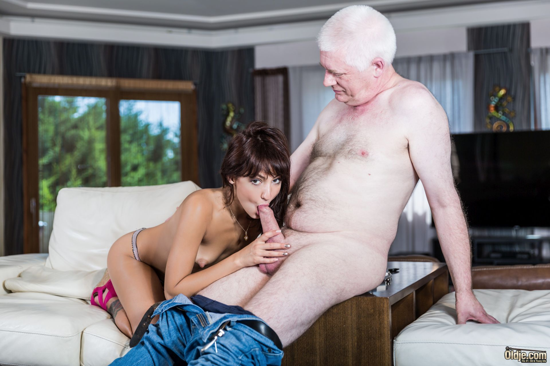 Top and grandpa fuck girl H*OME GR*WN