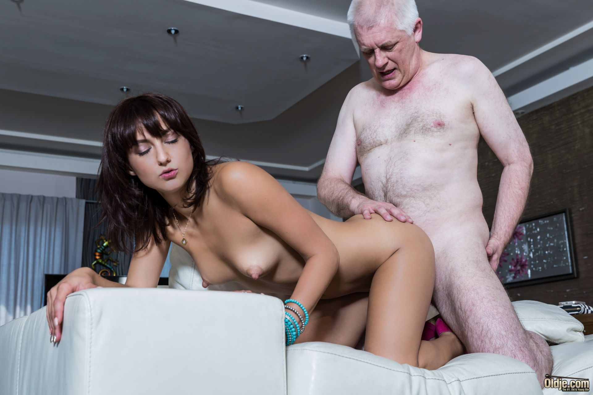 blow job and pussy for grandpa