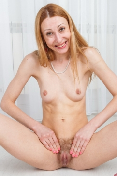 Mari Kler Skinny milf wants you to fuck her spreading pussy