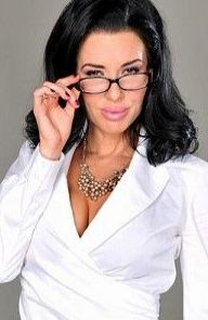 Veronica Avluv Creative Meeting