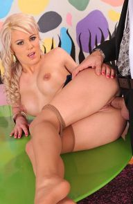 Afrodity Hot Newcomer Footjob