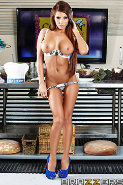 Madison Ivy Petite chef with big boobs banged in the kitchen