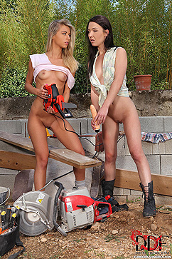Angelik Duval Teen Babes Drill Their Holes