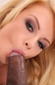 Bonnie Rose Blonde Gets her Ass Plowed