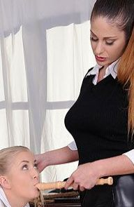 Cayla Lyons Young Blonde Gets A Spanking