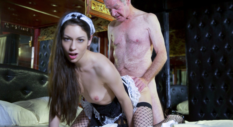 Arwen Gold Maid For Satisfaction - Old cock cleaning