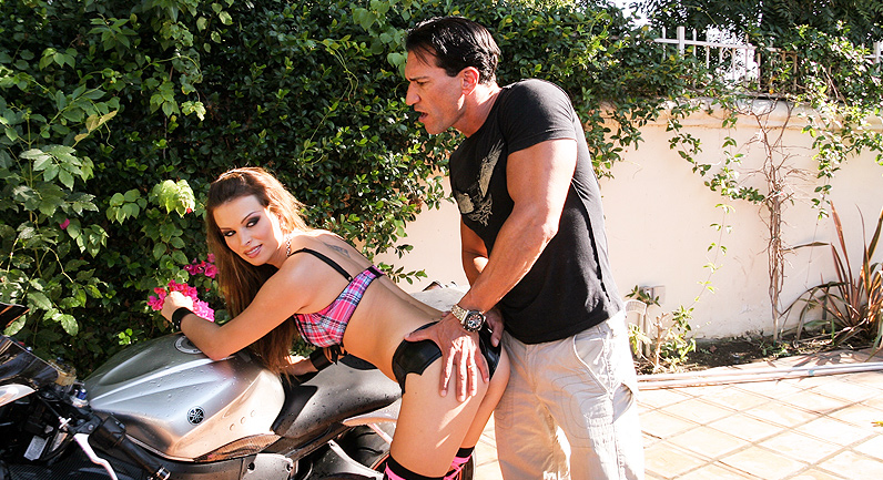 Bailey Brooks Hot girl in stockins fucked hard