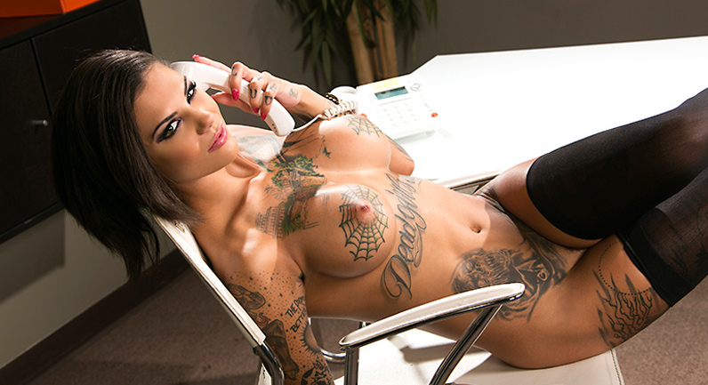 Bonnie Rotten Squirting On The Job
